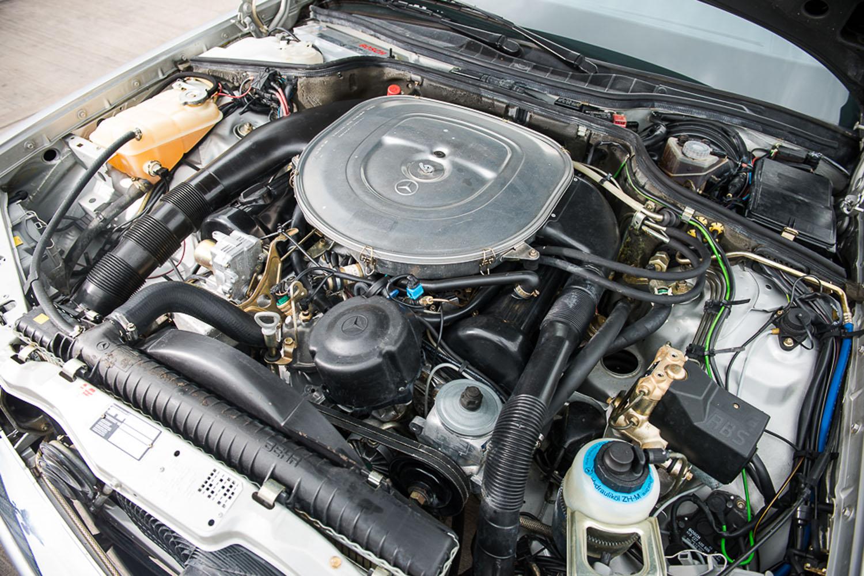 Mercedes 560 SEC 1986 - SPRZEDANY - Giełda klasyków