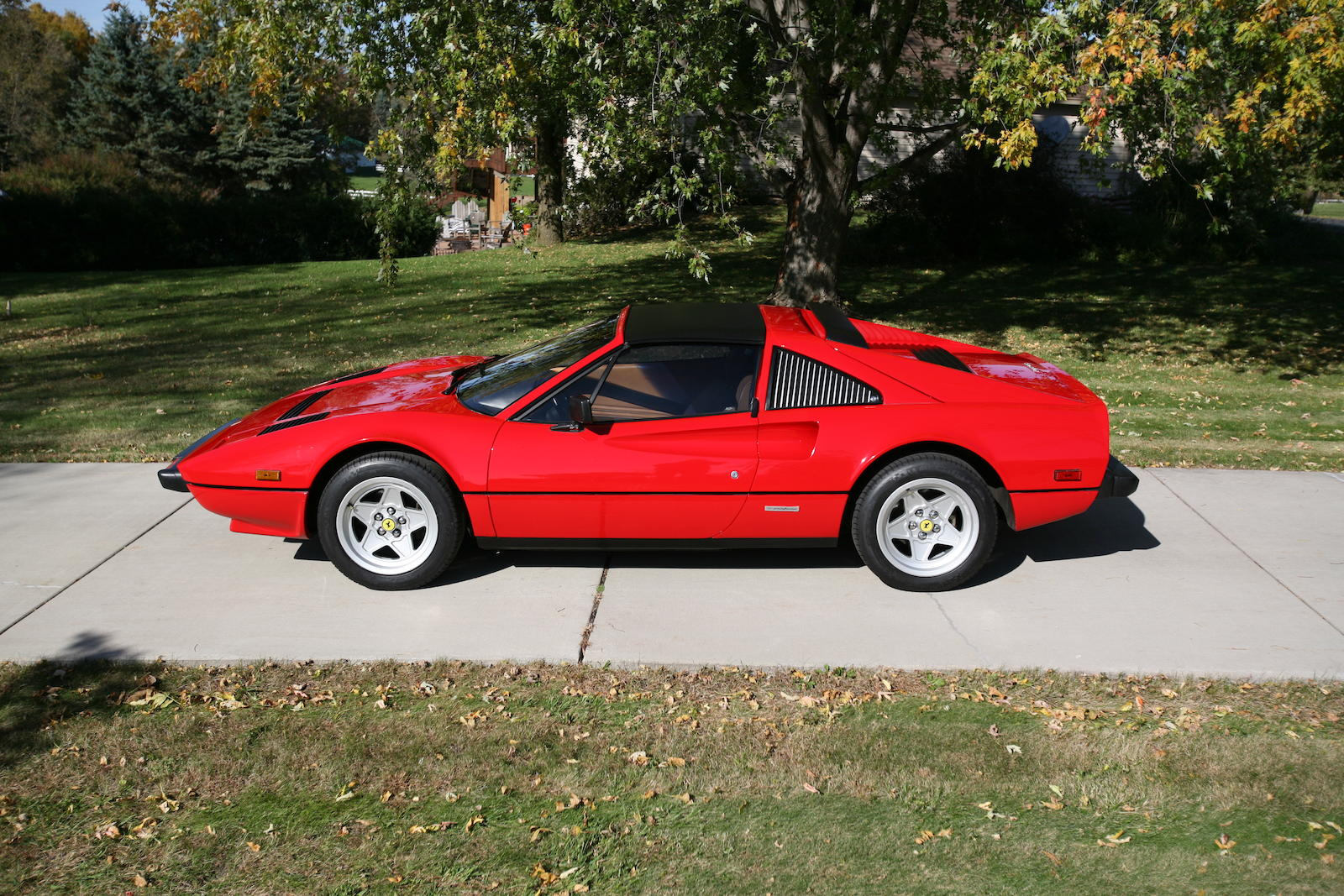 ferrari 308 gts images galleries with a bite. Black Bedroom Furniture Sets. Home Design Ideas
