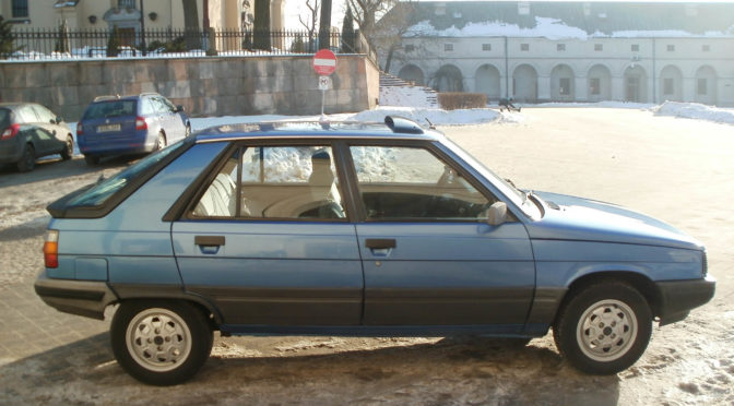 Renault 11 1983 – 10000 PLN – Kielce