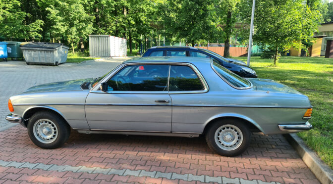 Mercedes 230 CE C123 1983 – 36000 PLN – Katowice